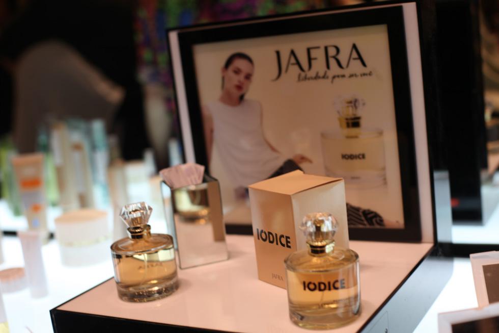 Iodice-lanca-perfume-jafra-fotos-Nair-Barros-80
