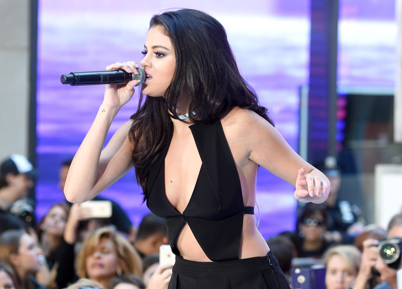 Selena-Gomez-02