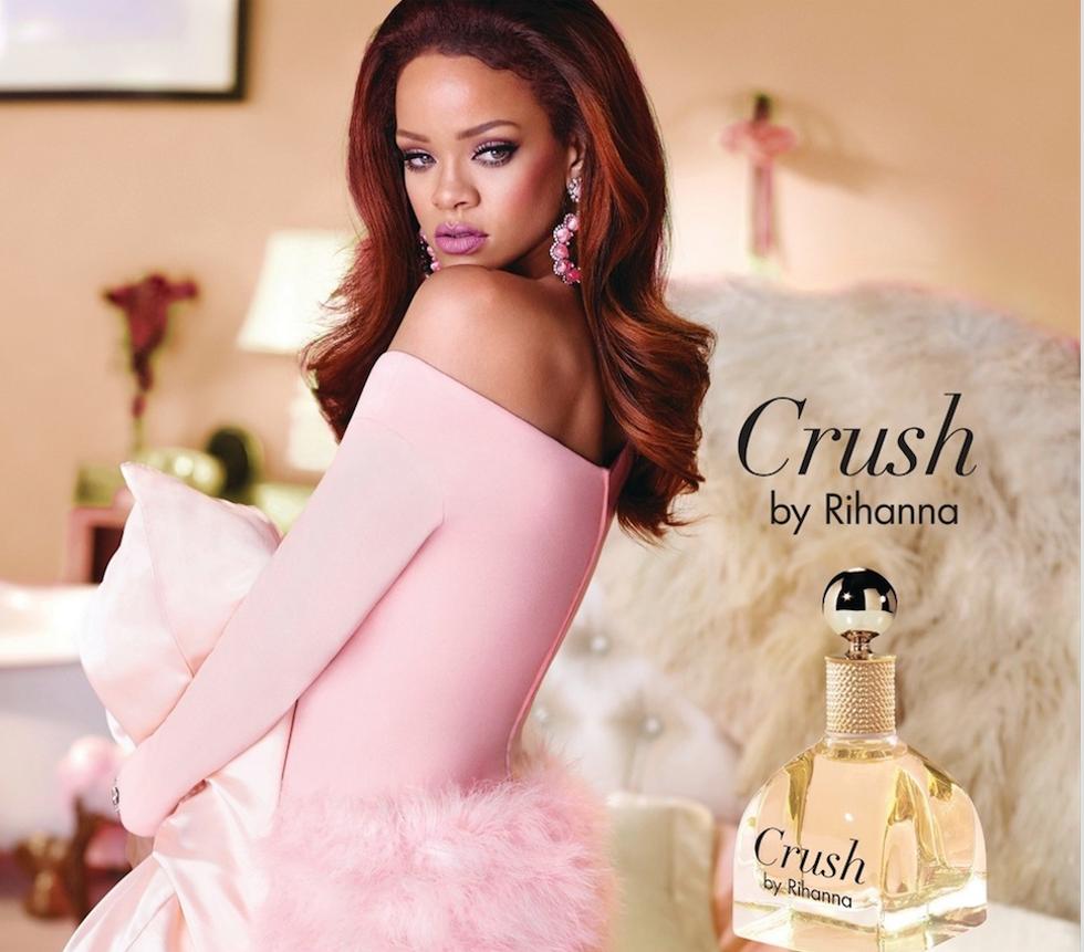 rihanna-devoile-nouvelle-fragrance-on-a-crush-2016