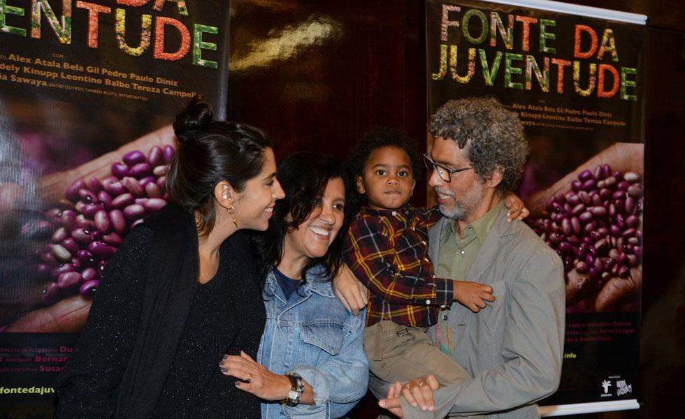 Benedita Casé Zerbini, Regina Casé, Roque e Estevão Ciavatta (Foto: Juliana Rezende/Divulgação)