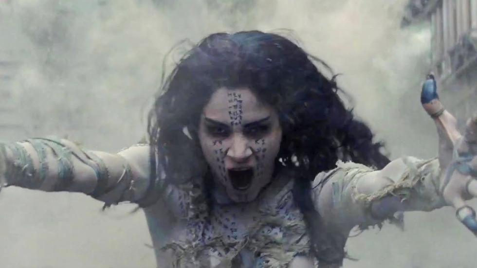 """Ela voltou, com uma história diferente e um novo ator principal. Tom Cruise lutará com uma antiga rainha que foi mumificada. Ela desperta nos dias atuais, com uma maldade arraigada e um desejo de destruir o mundo, no filme """"A Múmia"""" (Foto: Divulgação)"""