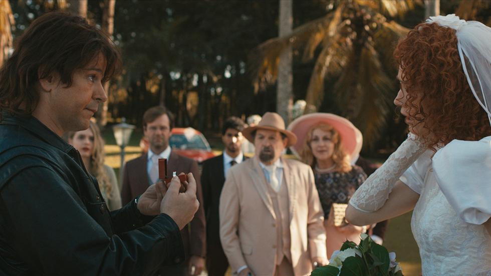 """Camila Morgado e Murilo Benicio interpretam um casal humilde que acaba enriquecendo após criarem um molho de tomate que virou sucesso nacional. Os anos passam, o relacionamento complica e os dois entram em um pé de guerra na comédia nacional """"Divórcio"""" (Foto: Divulgação)"""