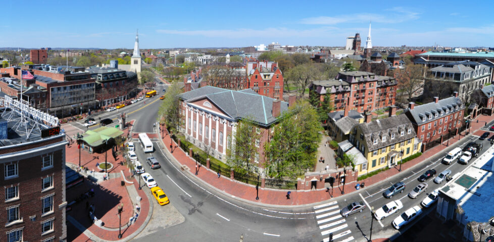 Harvard_square_harvard_yard