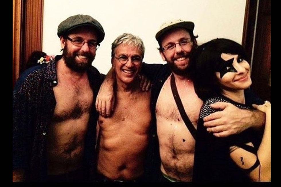 Caetano Veloso com Os Gêmeos Gustavo e Otávio