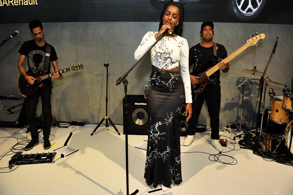 O show da cantora Iza (Foto: Paulo Freitas/ Reprodução)