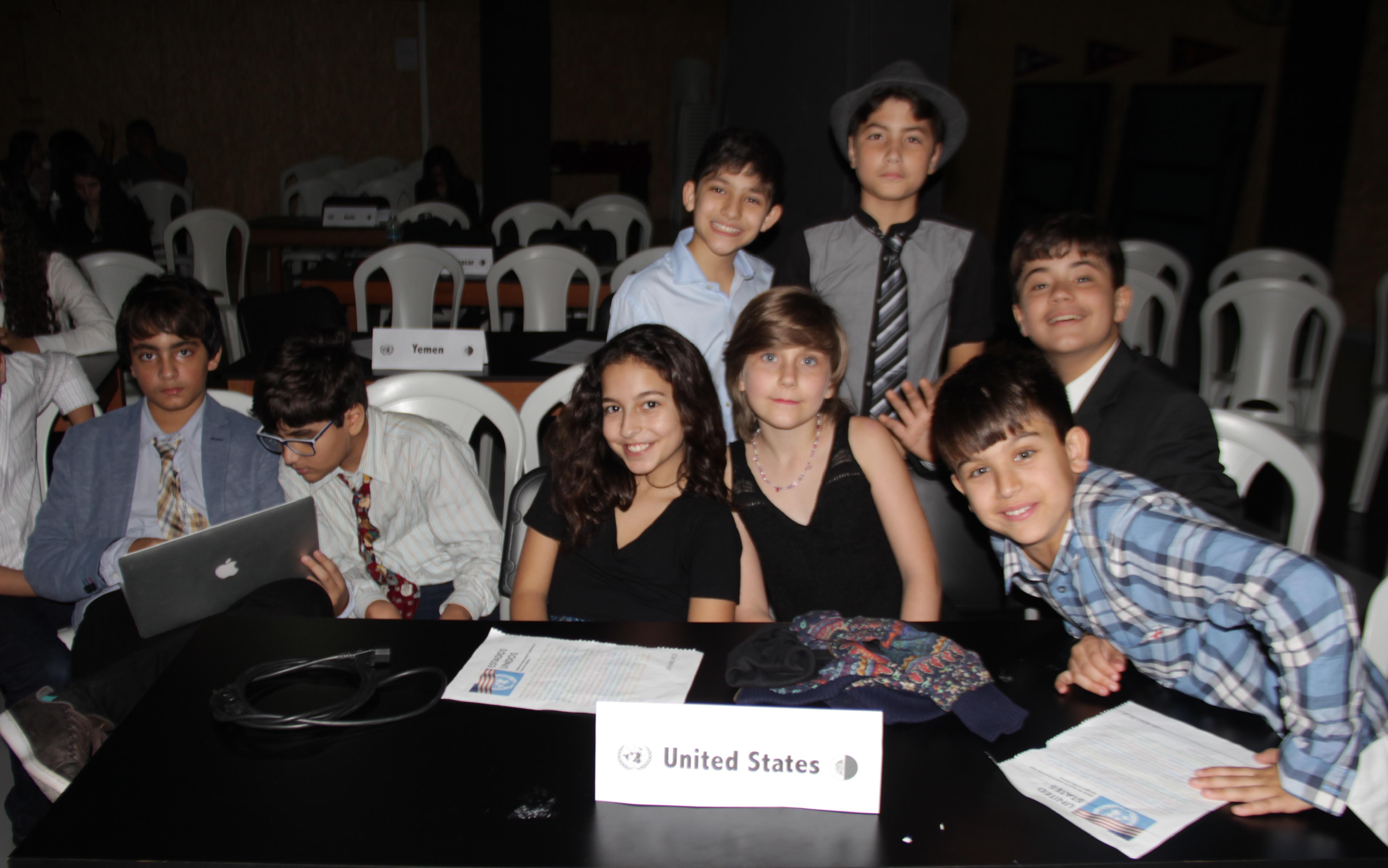 Os alunos da Christian School simulam Conferência da ONU no RJ