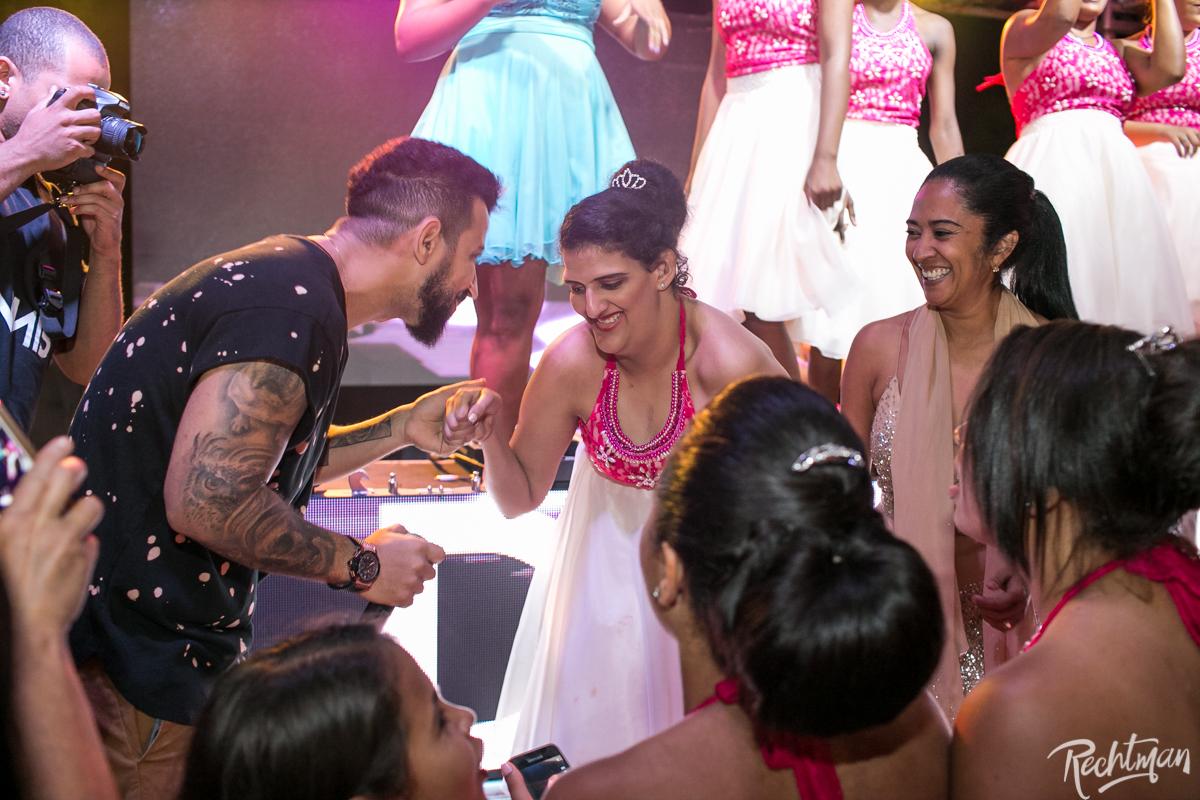 Liliane Barros Marty Caron recepciona as debutantes do Baile Fadas Madrinhas (Foto: Alexandre Rechtman)