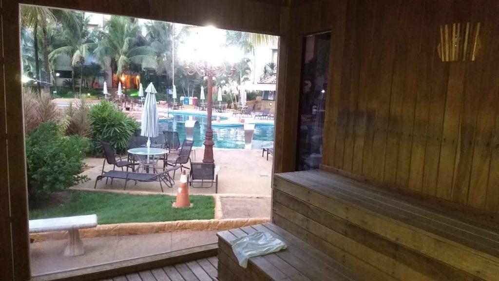 Sauna de vidro com vista para as thermas do Nobile Resort Thermas de Olimpia - Foto: Ricardo Corona -Cla Cri